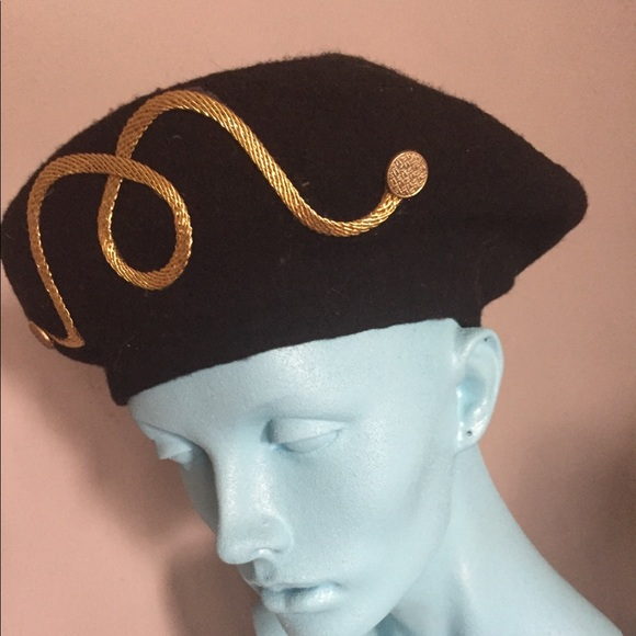 cca9fd0a06a96 Accessories - Vintage black and gold beret